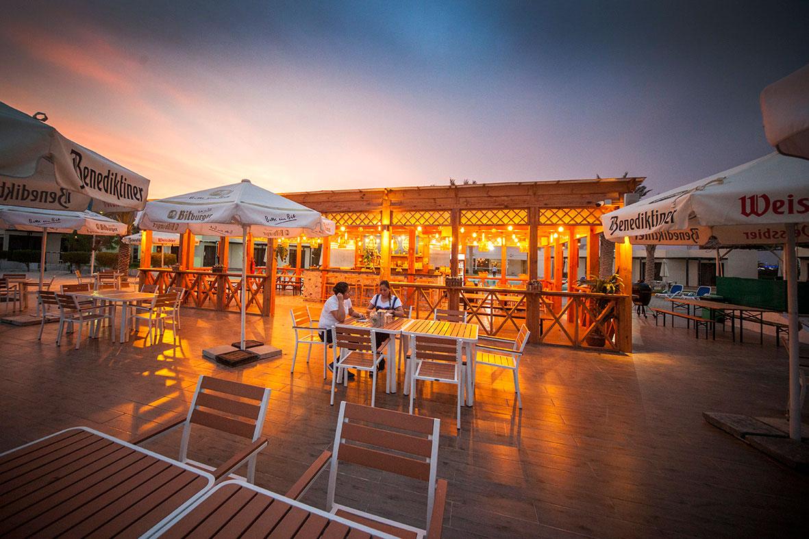 حديقة المشروبات – بار الشاطئ